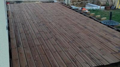 <i>Entreprise de Charpente à Nans les Pins - CPV - Terrasse en bois</i>